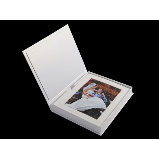 20 снимки 10x15 см в бяло паспарту с луксозна бяла кутия ФБ-41