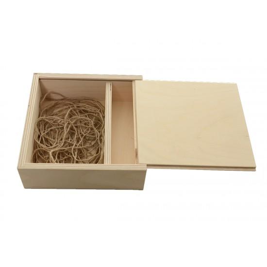 Дървена кутия № 4 за снимки и флашка 18х18 см с плъзгащ капак